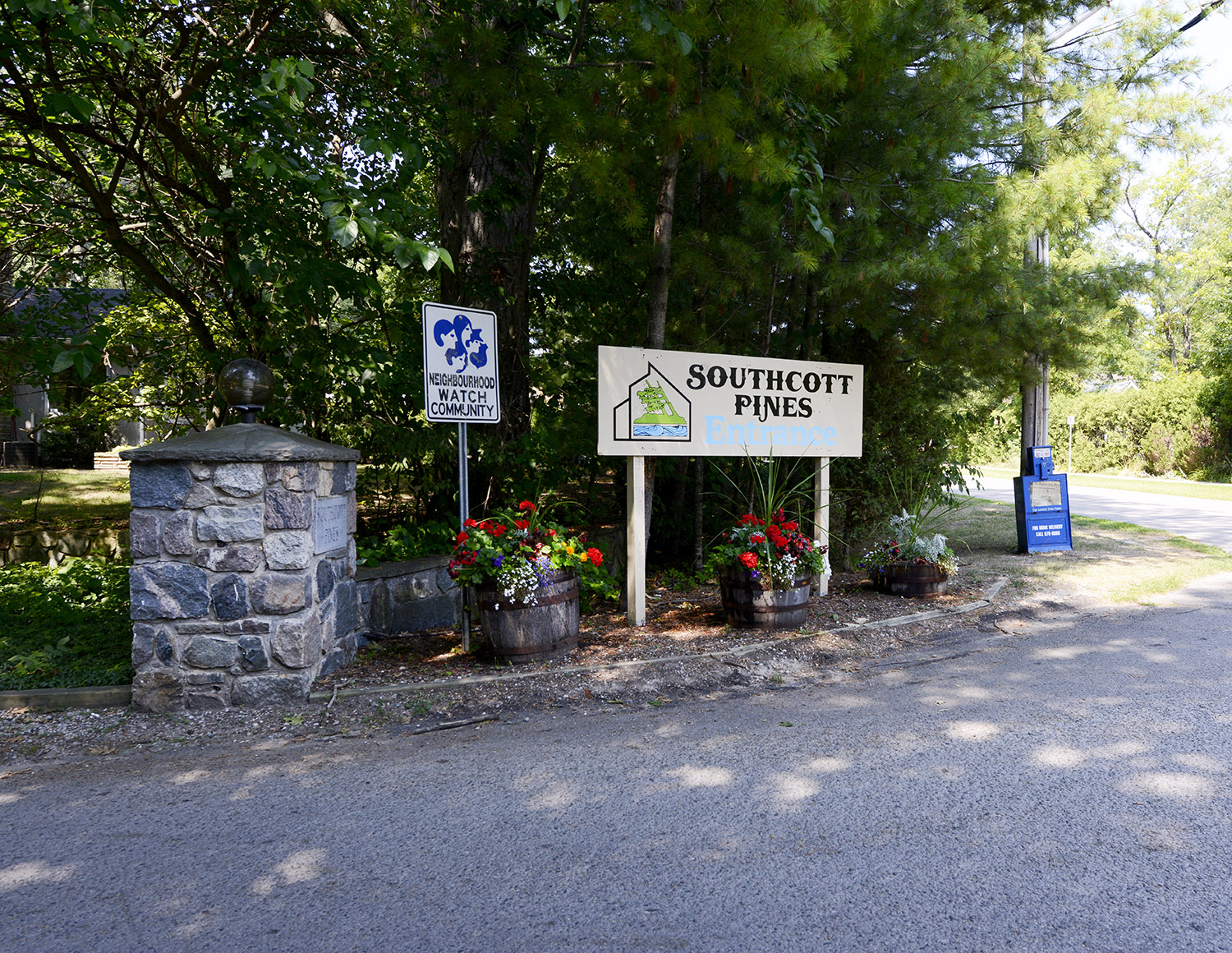 18 Pines Entry